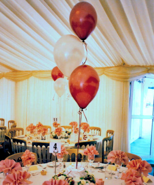 Marquis With Balloon Table Settings